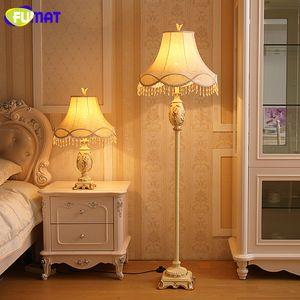 Lampada da terra classica vintage europea FUMAT Lampada da terra moderna in tessuto di lusso in resina da salotto