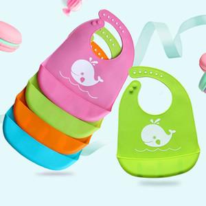 Cartoon Prints Kinder Silikon Lätzchen Baby Lätzchen Kinder Winter Einstellbare Wasserdichte Lätzchen Baby Fütterung Werkzeuge Junge Mädchen Lätzchen