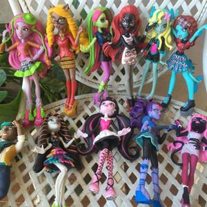 3pcs / Lot Monster Toys Dolls Modelo 15cm -18cm Regalo de juguete de alta calidad para niñas Juguetes clásicos Figura de acción