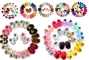 12 Paare / Los (Mischungsarten und -größen) Großhandel Baby Mokassins Baby Moccs Prewalker Schuhe Weiche Sohle Kleinkind Mokassins