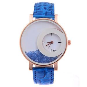 Summer Moving Quicksand Orologi da donna con strass di cristallo Ladies Luxury Faux Leather Quartz Ganeva Dress Watch Reloj Mujer Clock
