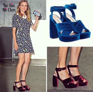 Vino rojo Royal Blue Velvet Sandalias de plataforma Criss Cross Buckle Tacones altos Ladies Gladiators Summer Party Zapatos