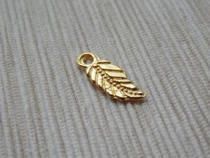 70 Leaf Charms Gold Plated Alloy  NO1030