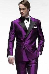 새로운 도착 더블 브레스트 보라색 신랑 턱시도 피크 옷깃 슬림 피트 오트 남자의 웨딩 드레스 댄스 파티 복장 (자켓 + 바지)