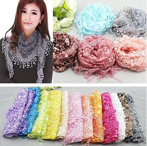 Ladies Lace Nappe Sheer Metallic Scarf Summer Women Burnt-out Floral Rose Stampa Triangle Bandage Ricamato Sciarpa Scialle Wraps
