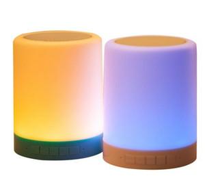 Multifuncional inteligente portátil sem fio Bluetooth Speaker com cartão TF luz Touchable Indução LED Abajur / Noite