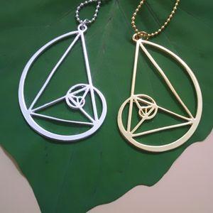 Großhandelsgoldene Halskette des Dreiecks 20pcs / lot - Fibonacci - goldenes Verhältnis Mit freiem Verschiffen der Kette 50cm