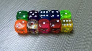 Şeffaf 6 Taraflı Zar 18mm Şeffaf dices Kristal D6 Yuvarlak Bozonu İçme Oyunları Çoklu Oyun Eğlenceli Yenilikler Hediye İyi Fiyat # R10
