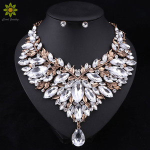 Style rétro Mariage nigérian Perles africaines Ensembles de bijoux Collier en cristal blanc Collier boucles d'oreilles Ensemble Mariage parti Dubaï Ensemble de bijoux