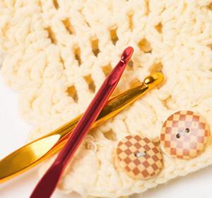 22pcs / Seti Çok renkli Alüminyum Crochet Hooks İğneler Örme Dokuma Craft İplik Dikiş Araçları Tığ Hooks Örme İğneler