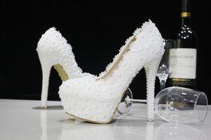 Moda de lujo perlas de encaje blanco de la boda Zapatos de tacones altos Zapatos de novia Party Prom Women Shoes Envío gratuito