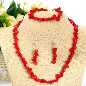 Ensemble de bijoux en corail rouge Géométrie naturelle en pierre rouge irrégulière en forme de tour de cou collier corail Bracelet boucles d'oreilles Ensemble 4pcs / Set