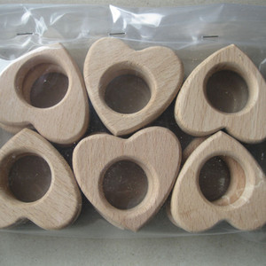 12pcs / lot Beech madeira Teether Unfinished Mão Crafted Anéis Coração Contas de Madeira Coração gravado DIY Acessórios
