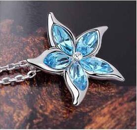 Bella fiore di cristallo collana Cinque Punte Silver Star collana di cristallo austriaca Pentagram lega placcato regalo di Natale Collana
