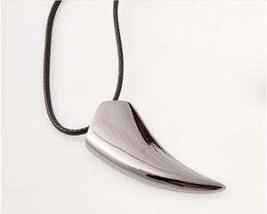 Титана стали мужские волк зуб ожерелья любителей ожерелье два цвета можно выбрать