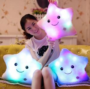 Yeni Yıldız Led Işık Yastık Renkli Yıldız ile Sevimli Yıldız Aydınlık Yastık Doğum Günü / sevgililer Günü Hediyesi