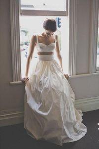 Simple Deux Pièce Crop Top Robes De Mariée robe de noiva Casual boho robe de mariée robe robe de mariage ruché jupe en satin pas cher personnalisé fait