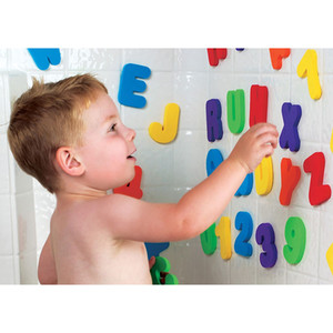 Atacado-36 peças DIY Números Letras do alfabeto Baby Shower Bath Água Toy Early Education Puzzle Brinquedos EVA Fantasia Toy Dabbling Toy