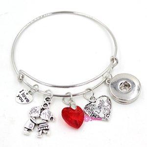Gioielli intercambiabili in metallo con chiusura a scatto da 18 mm. Valentine I Love You Charm a forma di cuore con filo espandibile regolabile. Braccialetti per gioielli da donna