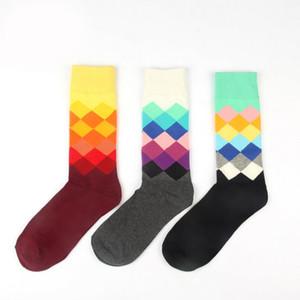 6 colori Happy socks Calzini scozzesi stile britannico Gradiente colore Calzini in cotone di personalità della moda maschile LC429-1