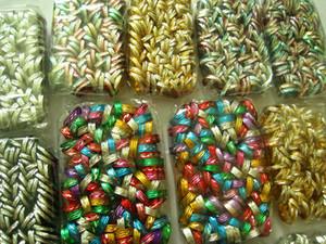 Brand New 1.000pcs Estilos mistos Multi-Color Kids Menina Bonita Bonita Bonita Alumínio Anéis de Jóias Atacado Lotes