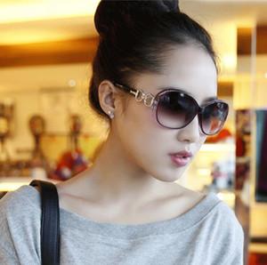 Occhiali da sole designer di marca da donna Oversized Vintage Tortoise Frame Lens Occhiali da sole rotondi retrò per le donne Occhiali da sole Occhiali da sole