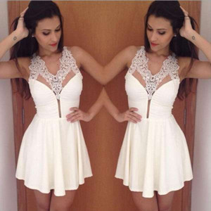 2017 new simple little white curto lace homecoming vestidos sexy halter a line frisado cristais cocktail party prom vestidos vestidos feitos sob encomenda