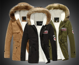 Jaquetas e longas seções Exército Verde emblema moda Homens e mulheres casal Plus Size Grosso Quente Fur Jacket Collar Casaco de Inverno de Down Parka