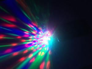 3W 5V LED USB LED RGB Balle de scène magique Sound Light musique capteur Ampoule LED Micro USB Lampe KTV Disco Light Home Entertainment Décoration