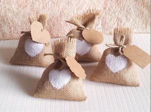 sac de bonbons de mariage coeur blanc avec étiquette bricolage kraft / toile de jute poche / sac de toile de jute / sac de jute rustique pour toutes les décorations de fête (10x14cm)