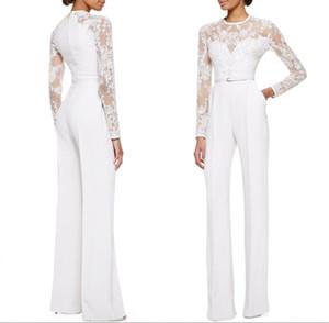 2018 White Mother Of The Bride Pantalone Tuta Con maniche lunghe Pizzo Impreziosito da donna Abiti da sera convenzionali Su misura