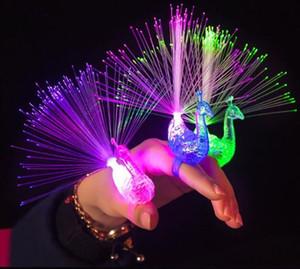 Buntes Licht spielt Leuchtdichte-Glühen-Blitz-leuchtendes blinkendes Finger-Licht-Spielzeug des Pfau-LED für Kinderpartei-Dekorations-Geschenke