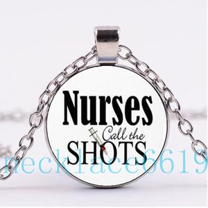 10pcs infirmières appellent le coup de collier pendentif, cadeau de Noël, cadeau d'anniversaire, collier en verre cabochon, argent / noir bijoux de mode R-1088