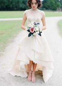 2016 abiti da sposa in pizzo paese spiaggia due pezzi maniche lunghe illusione backless hi-lo tulle a più livelli di lunghezza del pavimento da sposa abiti da sposa