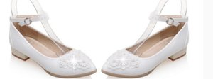 2016 documentaire chaussures dentelle fleur fermoir de perle faible douce petite princesse chaussures grande cour chaussures de mariage