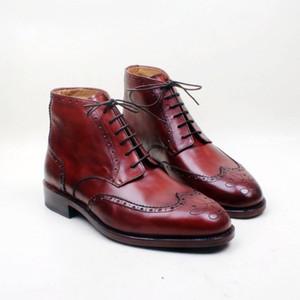 Bottes pour hommes Chaussures faites à la main sur mesure Véritable cuir de veau Bout rond Lacets peints à la main respirant Couleur bottes bourgogne HD-B031