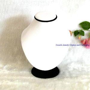 Alta calidad blanco PU joyería hecha a mano Display Neckform maniquíes collar Penadant soporte titular Body Display Rack Doll 18 cm de altura