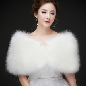 Real photos White Faux Fur Wedding Jacket Warm Bridal Bolero Wedding Jacket Coat Bridal Wraps Wedding Cape Cloak