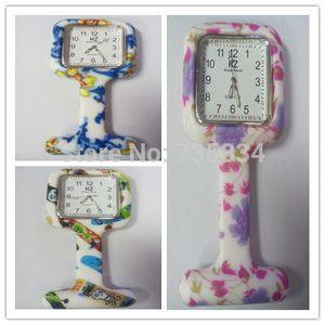 Wholesale- 도매 100pcs / lot 7colors 광장 다채로운 인쇄 실리콘 간호사 시계 포켓 시계 의사 포브 쿼츠 시계 NW014