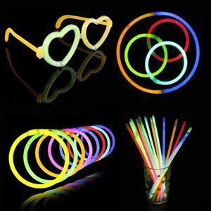 Venta al por mayor Multi color Glow Stick Pulsera Collares Fiesta de neón LED Parpadeante Palos de luz Varita Novedad Juguete LED Concierto vocal LED Flash Sticks