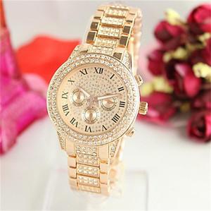 Yüksek Kaliteli Kuvars Saatler Roma Rakamları Erkekler Kadınlar için Lüks Saatler Bling Elmas Saatler Moda Altın Saatı