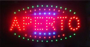 2016 맞춤형 APERTO는 네온 눈길을 사로 잡는 슬로건을 사인 해 주었다. 반 야외 10X19 Inch led billboards 도매