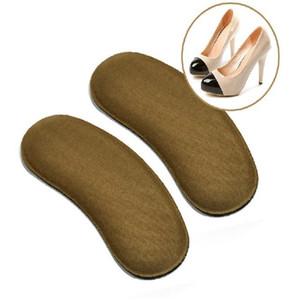 Губка нетканой тканевой пасты, за которой следует половина ярда оптовой износостойкости колодки, защитная пятка для ног