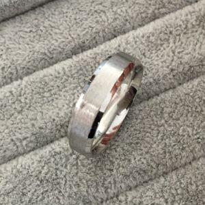 Anelli di fidanzamento da uomo, 6mm, colore argento classico, anelli in acciaio al tungsteno 316L per uomo Prezzo all'ingrosso USA taglia 6-14