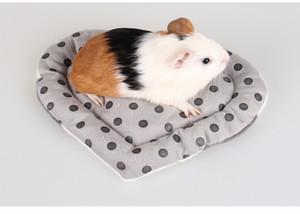 Anti-mordida Pequeno Pet Hamster Em Forma de Coração Macio Curto Pelúcia Inverno Quente Pet Cobaia Ouriço Cama Casa Pet Brinquedos
