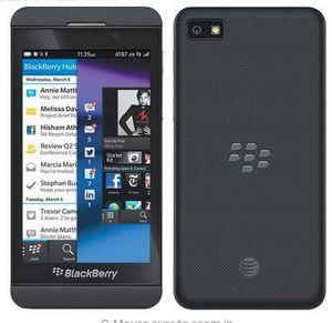 Blackberry Z10 débloqué Dual Core WiFi 8.0MP appareil photo 4,2 pouces écran tactile 16G téléphone cellulaire remis à neuf