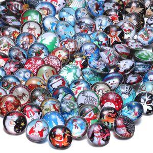 50pcs / lot Multi Mixed Christmas Pattern Bottoni a pressione di vetro misura i gioielli fai da te 18mm scatta Santa Snowman tema per i braccialetti di fascino delle donne