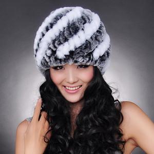 SATıŞ fiyat rex tavşan kürk şapka Kürk Çizgili Örme kap kadınlar için Hakiki Tavşan Kürk Şapka Cap Beanie / Kafatası Caps