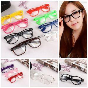 Hot óculos de sol unisex óculos de sol rebite óculos de sol retro cor unisex do punk geek estilo limpar óculos de lentes ooa4808