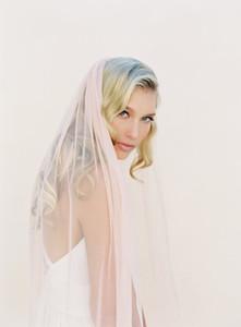Largo de vals blanco marfil Champagne rosa velo nupcial una capa de borde de corte velo de novia con peine A17